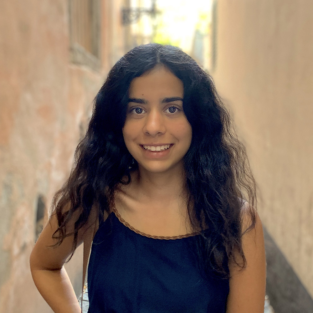 Joana Niloufar Sanei